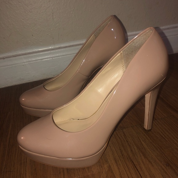 Jessica Simpson Shoes - JESSICA SIMPSON BEIGE HIGH HEELS 💞